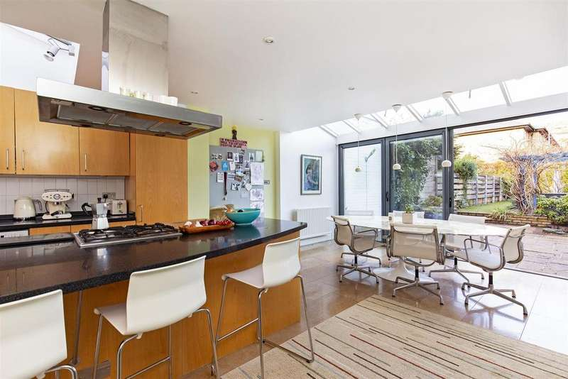 4 Bedrooms Terraced House for sale in Grayling Road, London