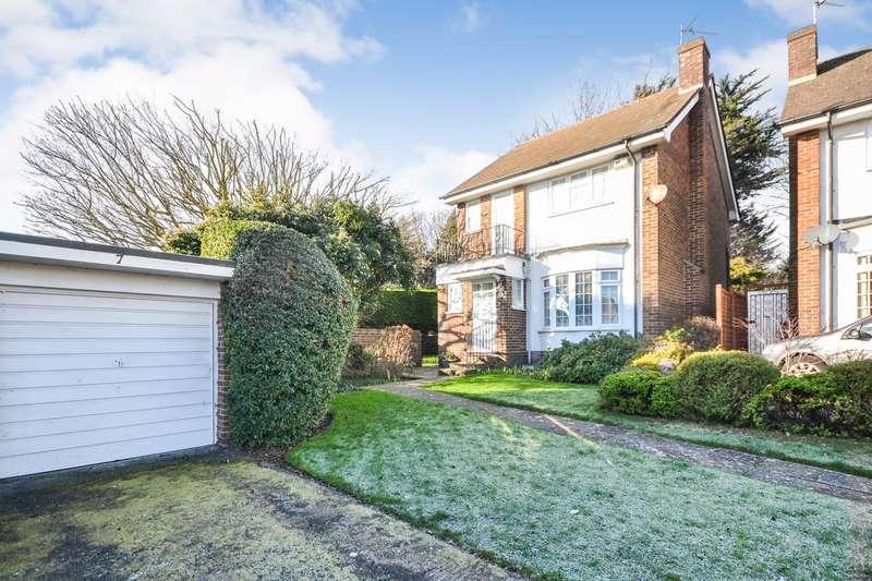 3 Bedrooms House for sale in Shortlands Close, Eastbourne, BN22