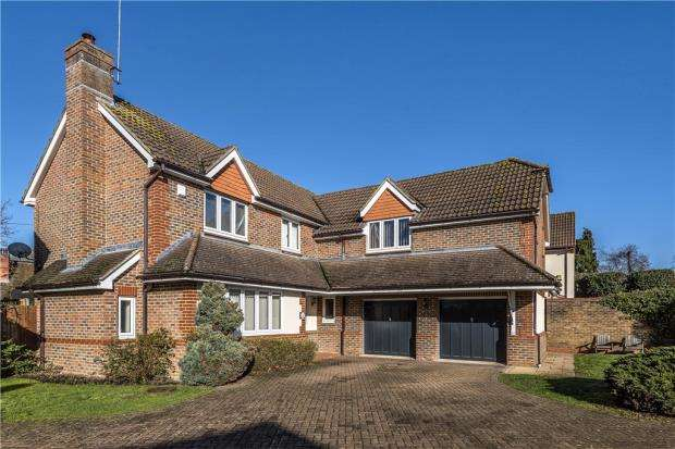 4 Bedrooms Detached House for sale in Willowherb Close, Wokingham, Berkshire