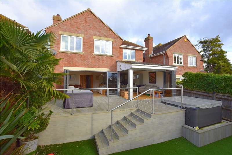4 Bedrooms Detached House for sale in Fairview Gardens, Fairview Road, North Lancing, BN15