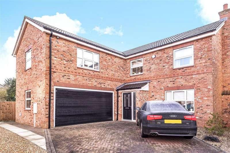 5 Bedrooms Detached House for sale in Oak Farm Paddock, North Hykeham, LN6