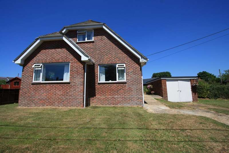 3 Bedrooms Bungalow for sale in Bull Hill, Pilley, Lymington, SO41