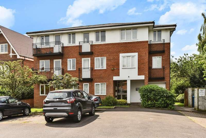 2 Bedrooms Flat for sale in Cedars Court, Maidenhead, SL6