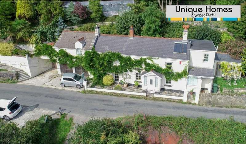 4 Bedrooms Cottage House for sale in Little Polgooth, ST AUSTELL, Cornwall