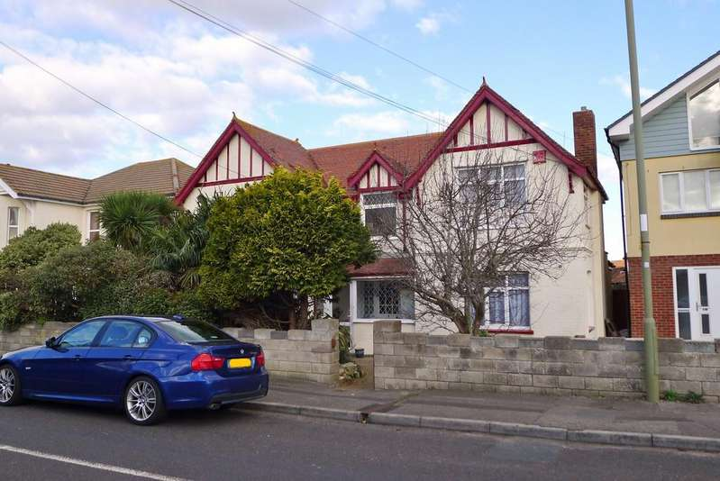 4 Bedrooms Detached House for sale in PORTSMOUTH ROAD, LEE ON SOLENT