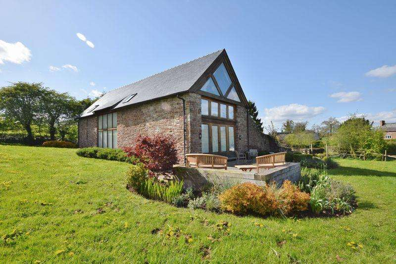 4 Bedrooms Detached House for sale in Wormelow - 1.4 acres