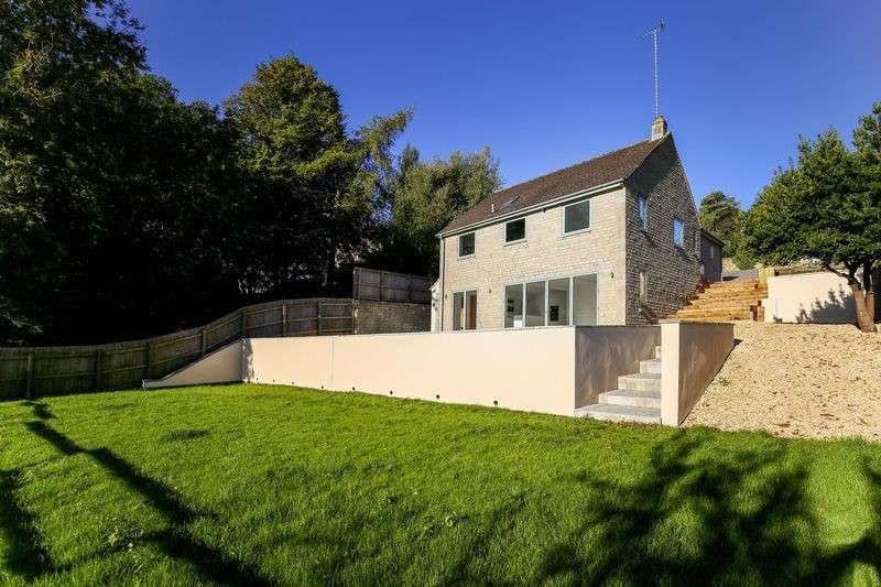 4 Bedrooms Detached House for sale in Keble Road, France Lynch, Stroud, GL6 8LN