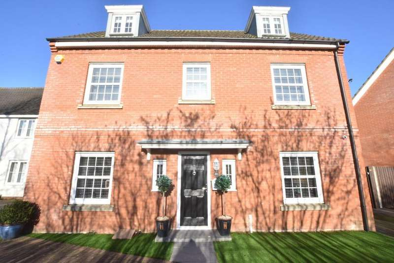 5 Bedrooms Detached House for sale in Airfield Road, Bury St Edmunds