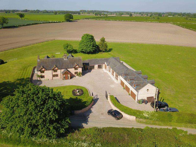 6 Bedrooms Detached House for sale in Grange Road, Knightley, Staffordshire