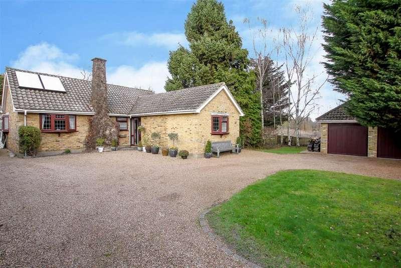 4 Bedrooms Detached Bungalow for sale in Doddinghurst