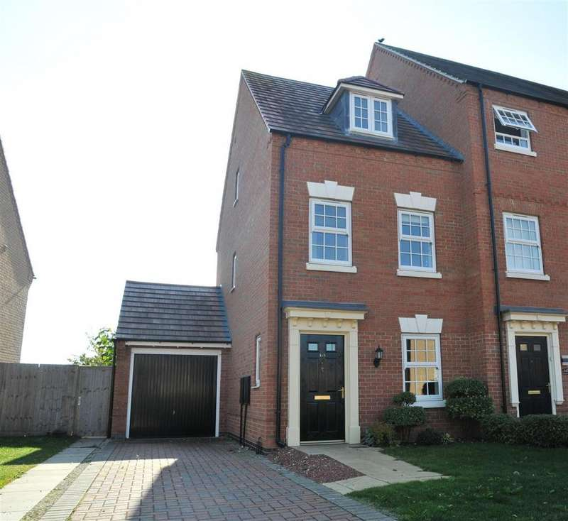 3 Bedrooms Town House for sale in Charlotte Way, Peterborough