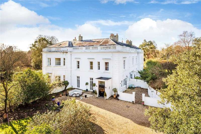 5 Bedrooms House for sale in 3 Buckland Court, Reigate Road, Betchworth, Surrey, RH3