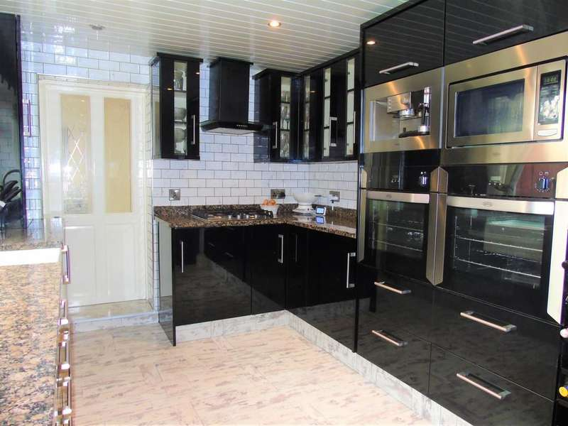 3 Bedrooms Semi Detached House for sale in Normanby Road, South Bank , Middlesbrough