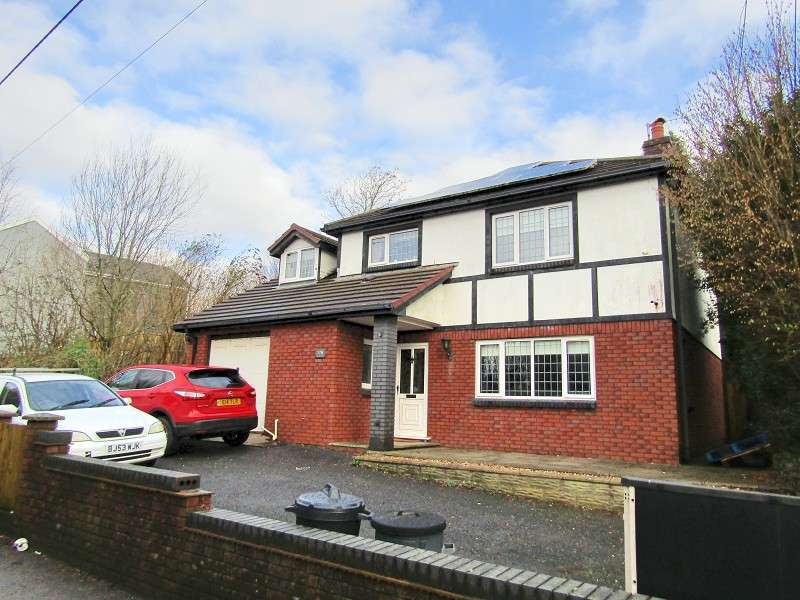 4 Bedrooms Detached House for sale in Glynderwen Road, Llanelli, Carmarthenshire. SA14 9NF