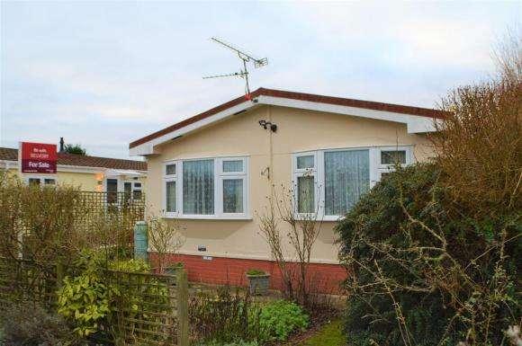 3 Bedrooms Property for sale in Crookham Park, Crookham Common, Thatcham