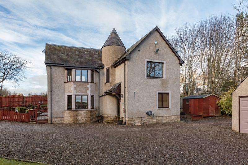 4 Bedrooms Detached House for sale in The Paddock, Huntly Road, Melrose