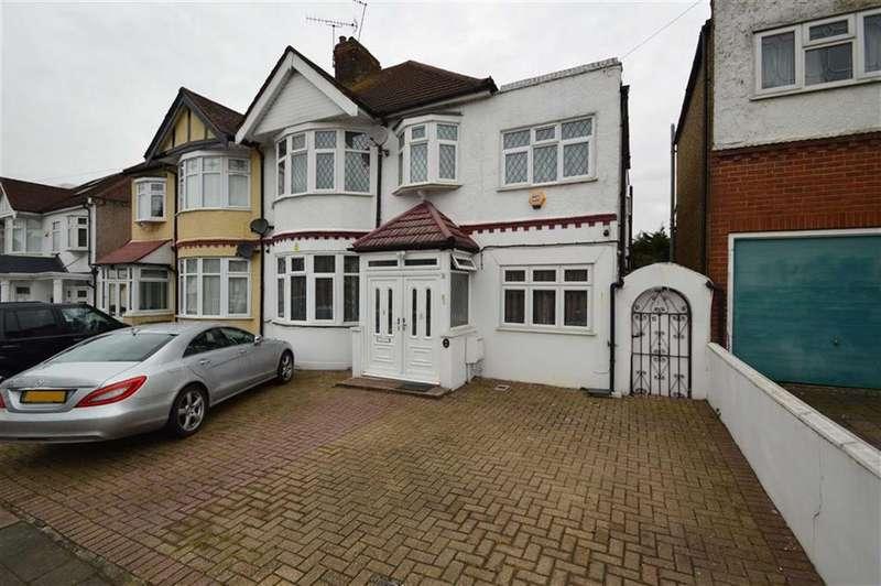 4 Bedrooms Semi Detached House for sale in Vista Drive, Redbridge, Essex, IG4