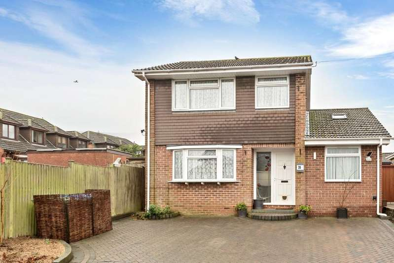 3 Bedrooms Detached House for sale in Midanbury, Southampton