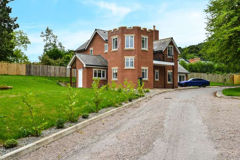 4 Bedrooms Detached House for sale in Gainsborough Park St. George Road, Abergele, LL22