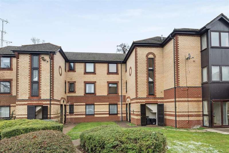 1 Bedroom Apartment Flat for sale in Finchampstead Road, Wokingham, Berkshire RG40 2DY