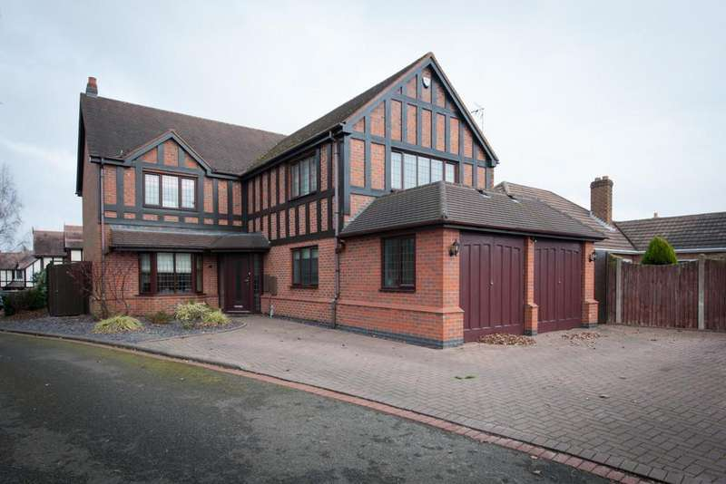 5 Bedrooms Detached House for sale in The Green, Sutton Coldfield