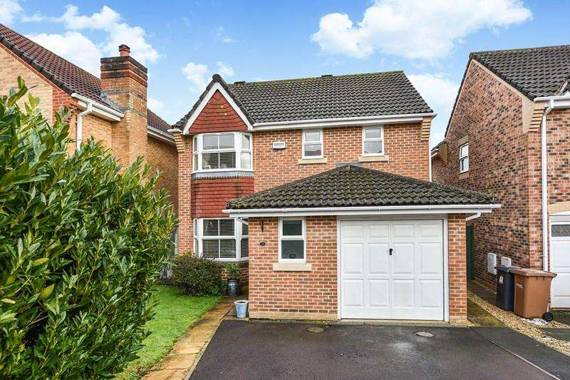 3 Bedrooms Detached House for sale in Burnhams Close, Andover