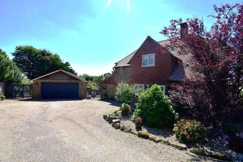 4 Bedrooms Detached House for sale in The TwittenSouthview Road, Crowborough