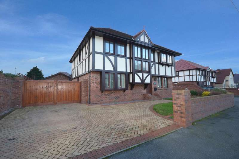 4 Bedrooms Detached House for sale in Holywell Crescent, Kinmel Bay, Conwy