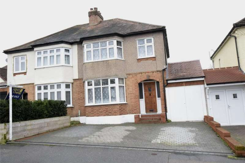3 Bedrooms Semi Detached House for sale in Cromer Road, Hornchurch, RM11