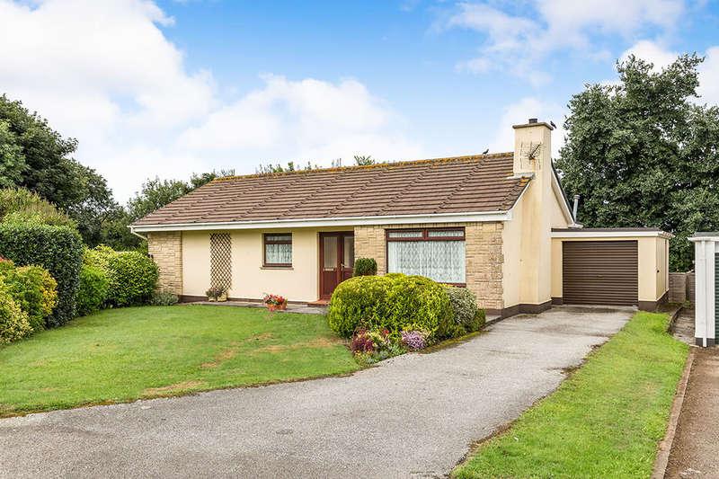 3 Bedrooms Detached Bungalow for sale in Tregenna Fields, Camborne, TR14