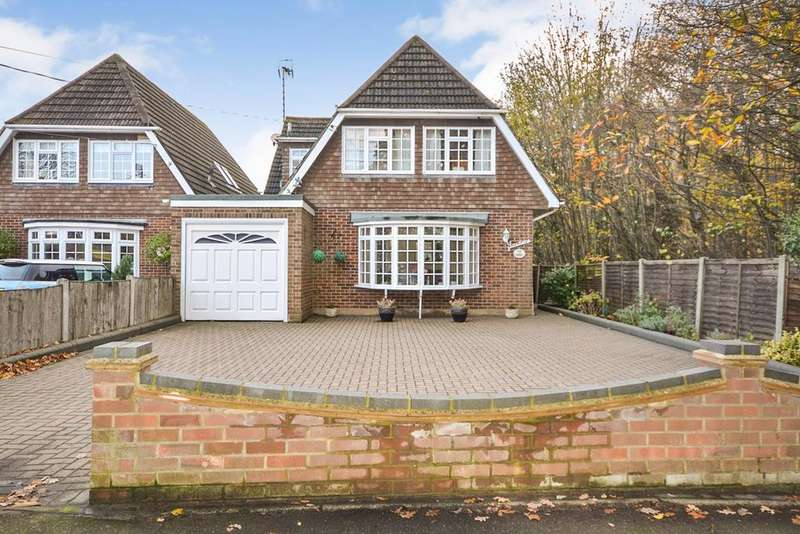 4 Bedrooms Detached House for sale in Daws Heath Road, Benfleet, SS7