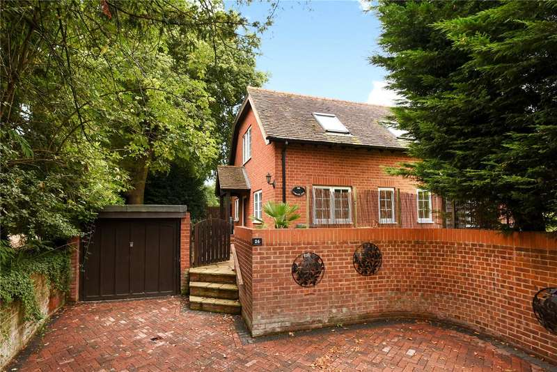 4 Bedrooms Detached House for sale in Wiltshire Road, Wokingham, Berkshire, RG40