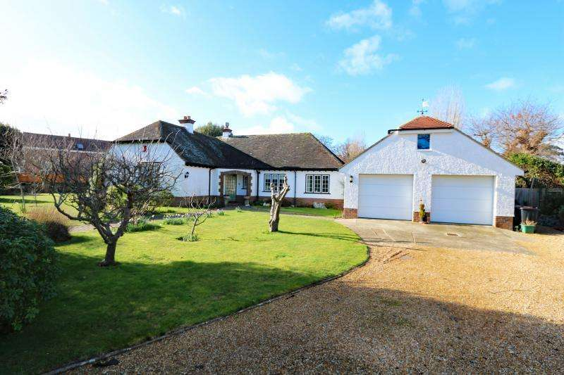 4 Bedrooms Bungalow for sale in St Catherines Road, Hayling Island