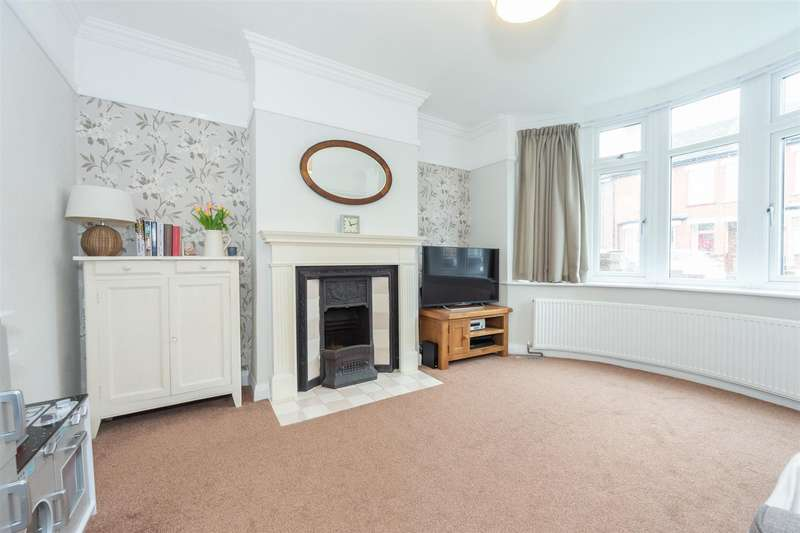 3 Bedrooms Terraced House for sale in Bigthan Road, Dunstable, Bedfordshire