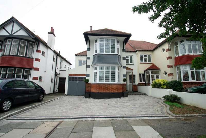 4 Bedrooms Semi Detached House for sale in Quorn Gardens, Leigh-On-Sea