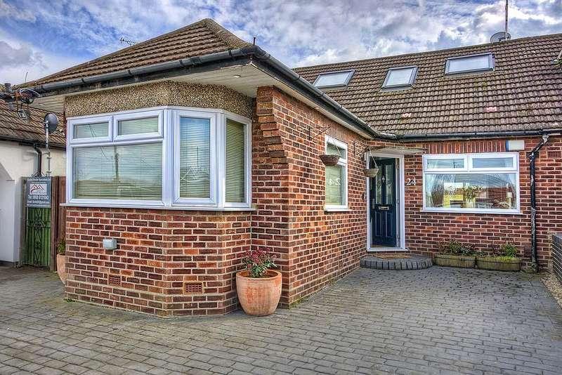 4 Bedrooms Chalet House for sale in Pick Hill, Waltham Abbey EN9