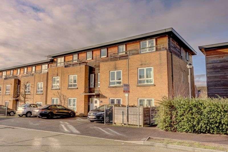 2 Bedrooms Property for sale in Birchwood Road, Newbury