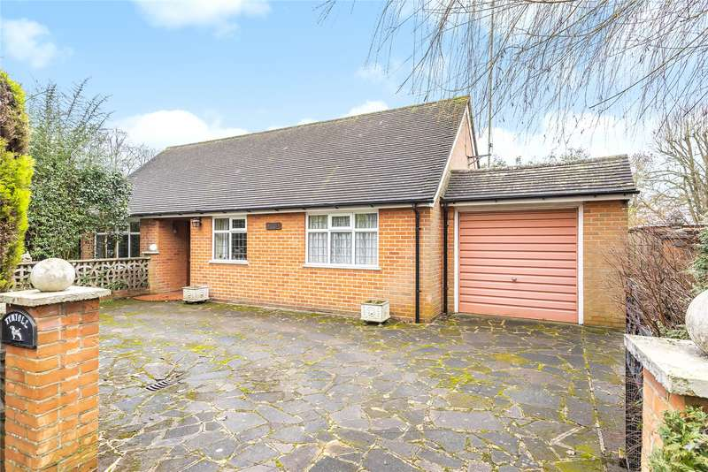3 Bedrooms Detached Bungalow for sale in Woodside Lane, Winkfield, Windsor, Berkshire, SL4