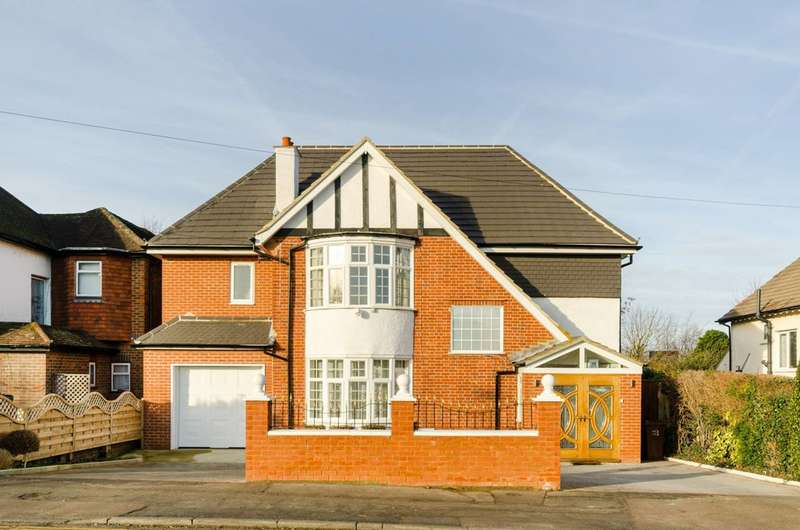 5 Bedrooms Detached House for sale in Avenue Road, Belmont, SM2