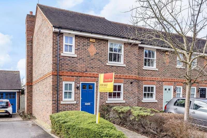 3 Bedrooms House for sale in Charlotte Mews, Farnborough, Farnborough, Hampshire, GU14