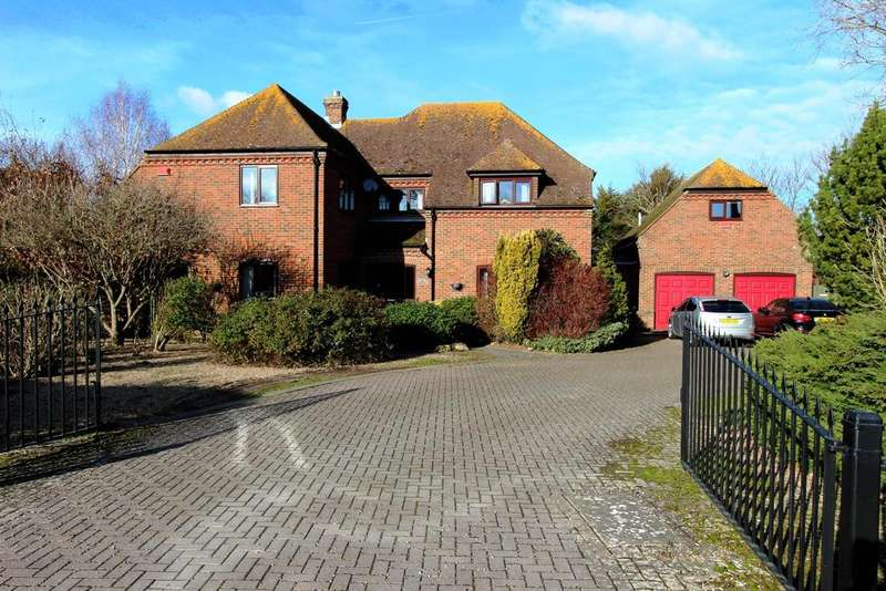 5 Bedrooms Detached House for sale in Felderland Close, Worth, CT14