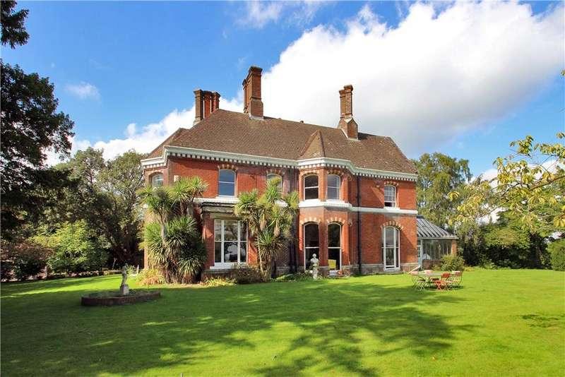 4 Bedrooms Detached House for sale in High Street, Hawkhurst, Cranbrook, Kent, TN18