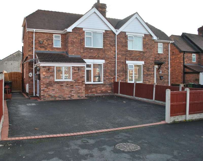 3 Bedrooms Semi Detached House for sale in Park Avenue, Winsford