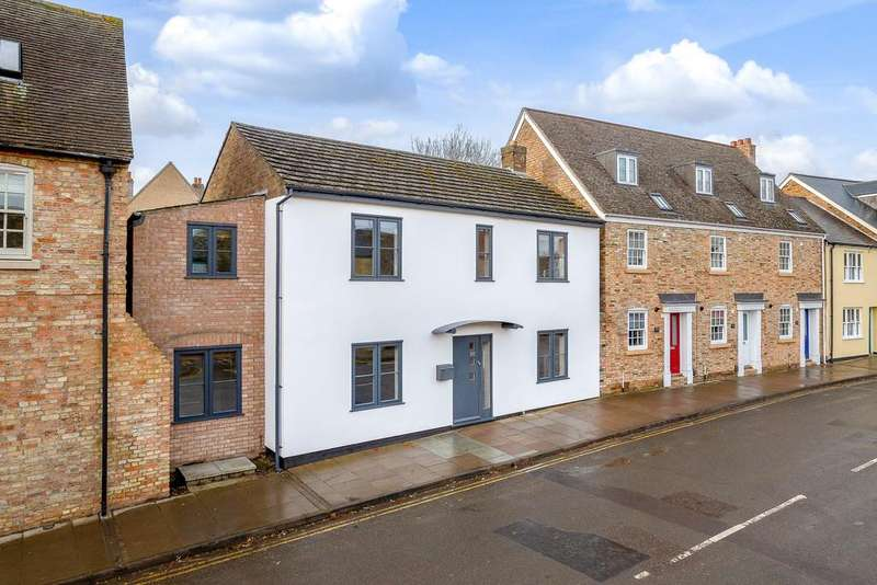 4 Bedrooms Detached House for sale in Waterside, Ely