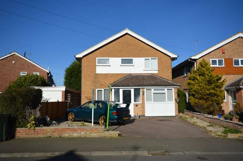 4 Bedrooms Detached House for sale in Homestead Drive, Wigston, LE18