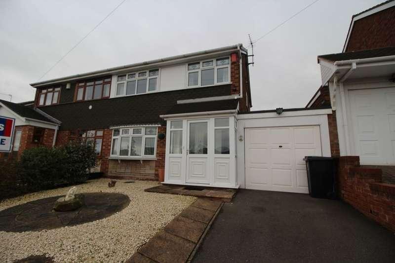 3 Bedrooms Semi Detached House for sale in Silverthorne Avenue, The Foxyards Estate, Tipton, DY4