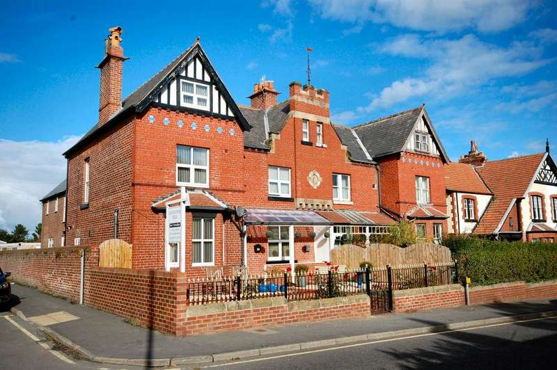 6 Bedrooms Guest House Commercial for sale in Prospect Hill, Whitby YO21