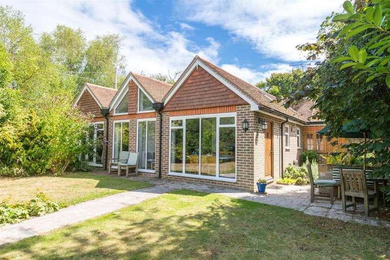 4 Bedrooms Detached House for sale in Caneheath, Nr. Arlington