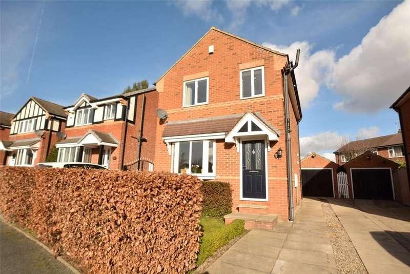 3 Bedrooms Detached House for sale in Woodside Avenue, Meanwood, Leeds, West Yorkshire
