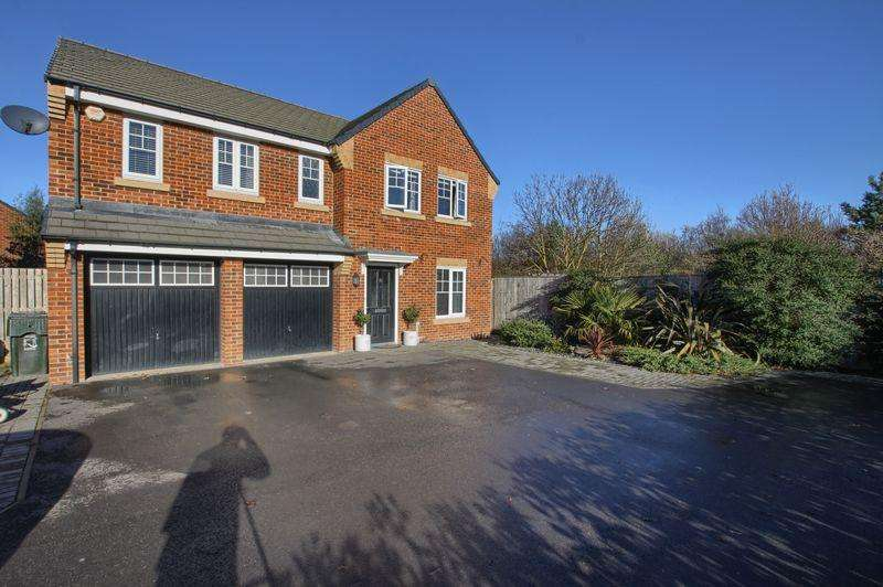 5 Bedrooms Detached House for sale in Buttercup Grove, Rose Cottage